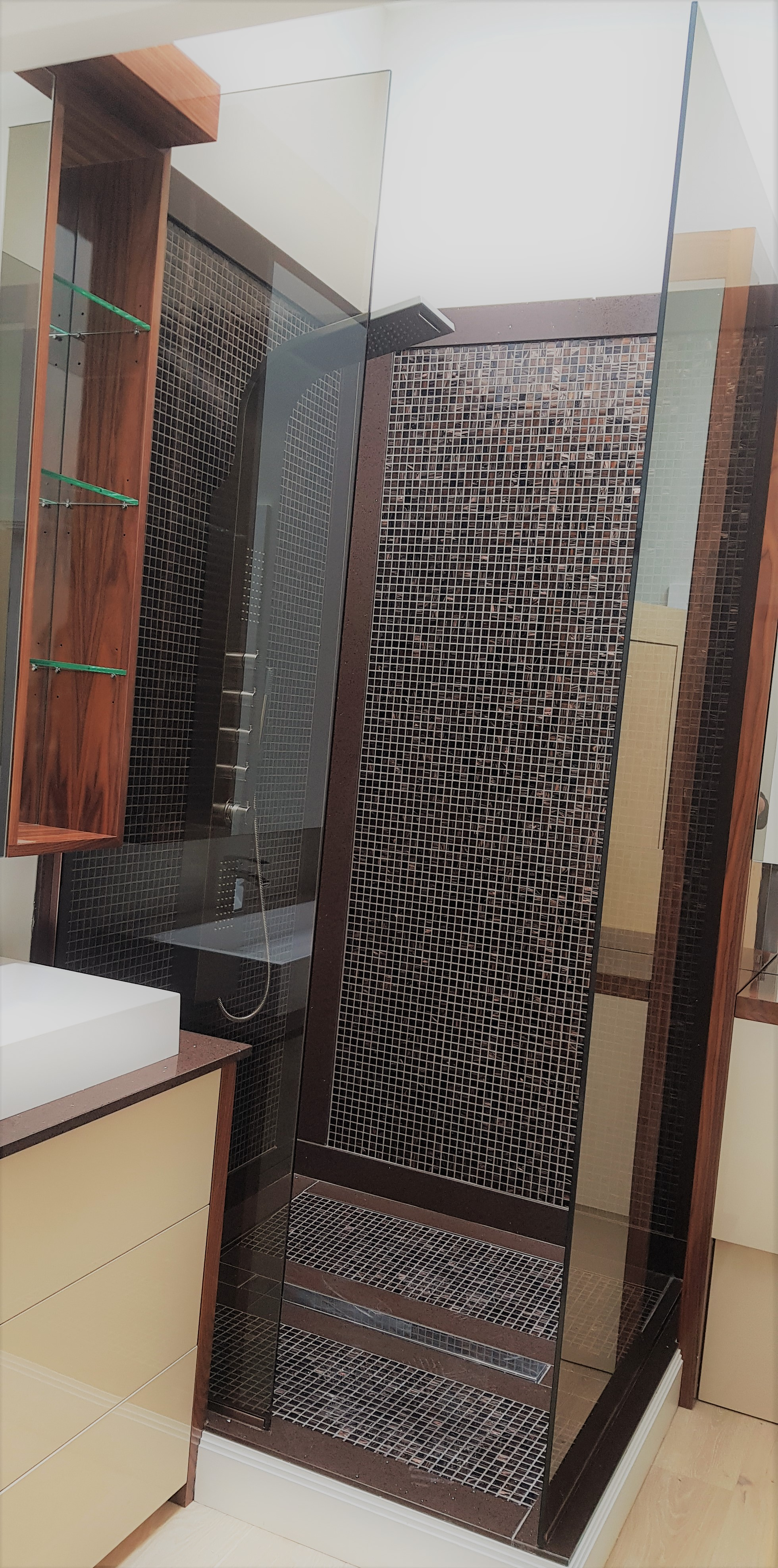 10mm Bronze tint glass for shower screens and wetrooms